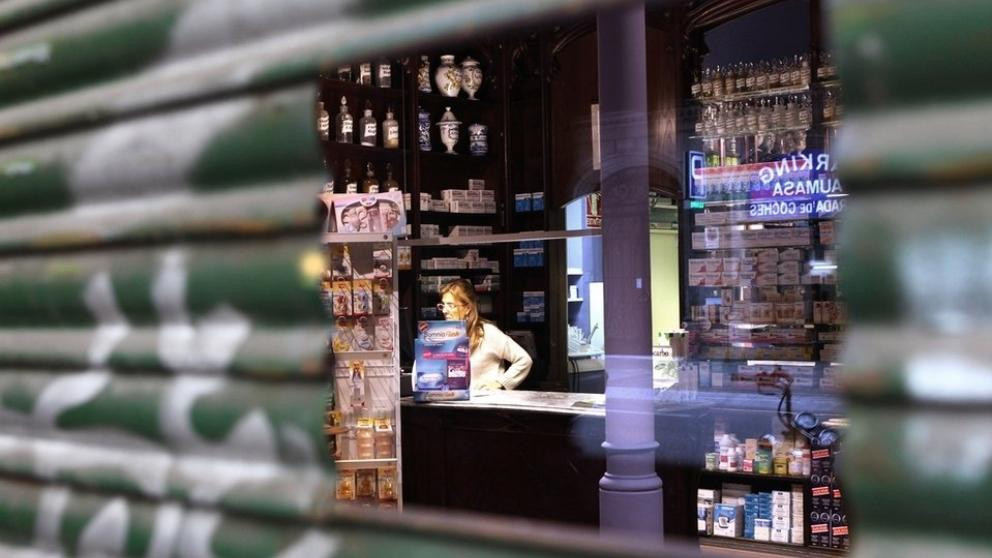 Se incrementan los robos en farmacias: Entraron durante los aplausos a los sanitarios
